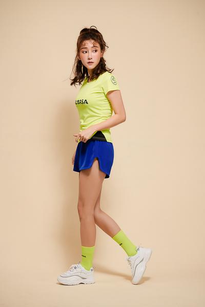 THE FIRST 亮寶藍<br>運動排汗短褲<br>女款 1